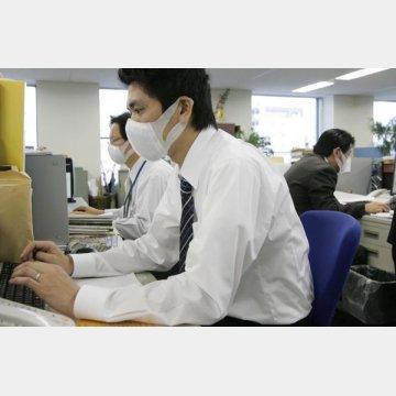 マスクの活用は有効/(C)日刊ゲンダイ