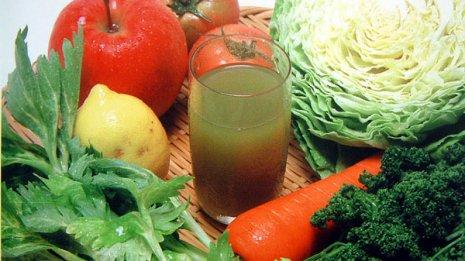 「1本で1日分」もマヤカシ 市販野菜ジュースに潜むリスク