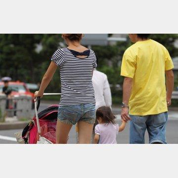 縞模様の服は着ない方がベター(写真はイメージ)
