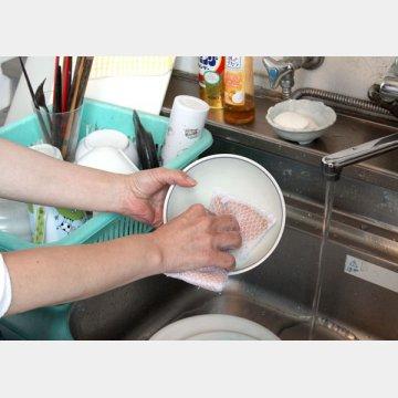 手で洗うほうが細菌を減らす効果は低いが…