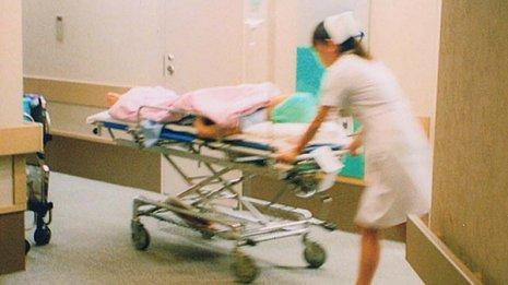 【看護師のキャリアパス】小中学校の保健師、助産師になれる