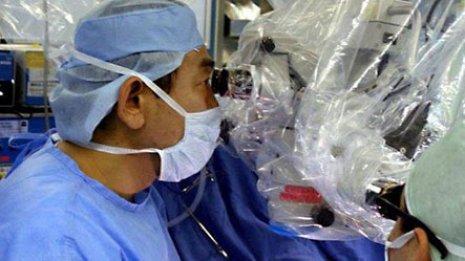 【超微小外科手術】 東京大学附属病院形成外科・美容外科(東京・文京区)