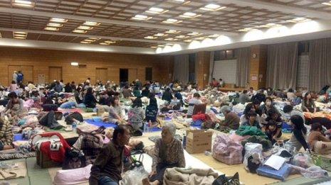 避難場所に居場所なし 被災地で悪化する高齢者の認知症