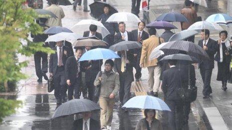 天候、気温、湿気といった環境の変化がメンタルの不調に大きく関係