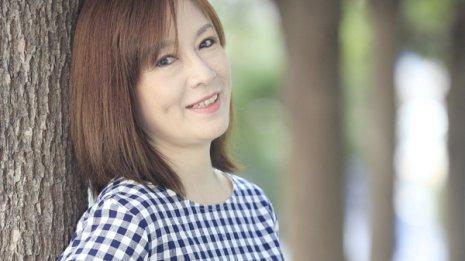 女優・高樹澪さん 「片側顔面けいれん」からの回復を語る