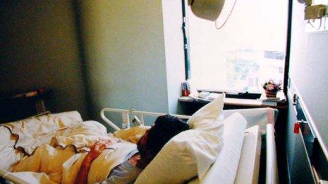 ヌードポスターが80歳肺がん患者の寿命を延ばした