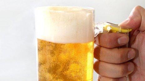 冷えたビールで疲れ加速? ダメージ軽減する正しい飲み方