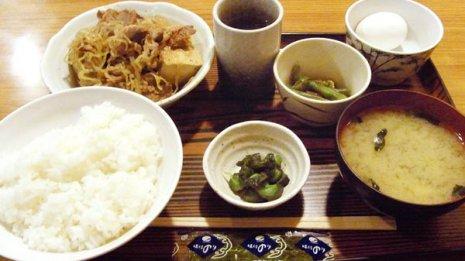 定食屋では「ご飯ナシ」を選ばない