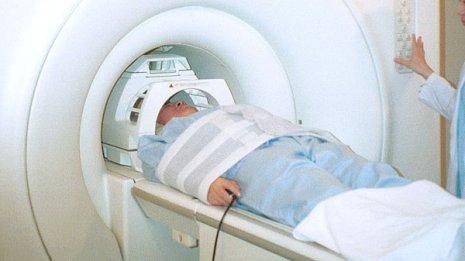 強力な磁気を使う「MRI検査」は本当に安全なのか?