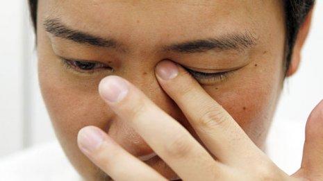感染症や失明を招く病気の可能性も