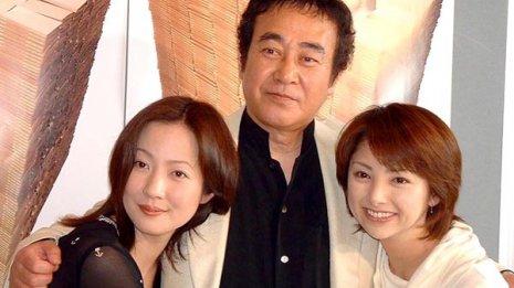 診断の1年半後に亡くなった渡瀬恒彦さん(写真中央)