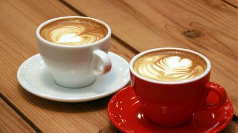 ミルク入りコーヒーvsカフェオレ