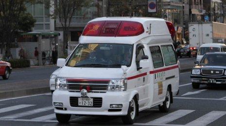 高齢者の病院搬送は消防署ではなく病院の救急車を