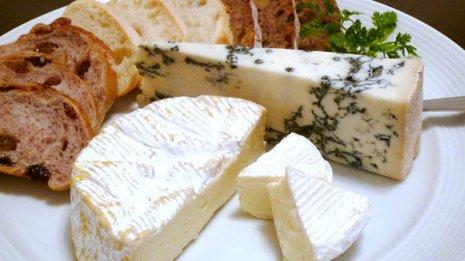 チーズ vs オリーブ