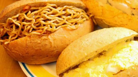 菓子パン vs 総菜パン