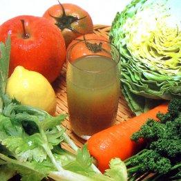 ジュースを飲むならスムージー 非加熱で栄養素豊富