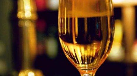 妊娠中のアルコール摂取はたとえ少量でもダメなの?