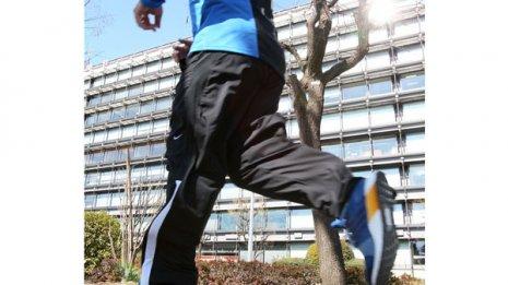 """ジョギングも一因 かかと痛""""難治例""""の最新治療事情"""