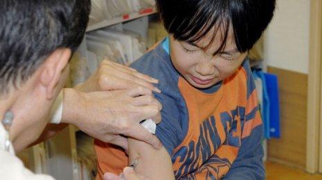 インフルエンザワクチンを打つと免疫が低下する?