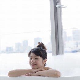 半身浴は体にいい? 全身浴がベターなケースを医師解説