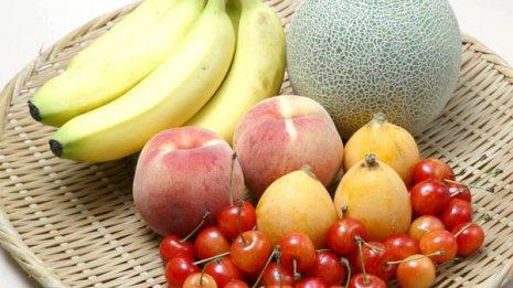 「妊活」成功のカギは果物とファストフードの摂取状況
