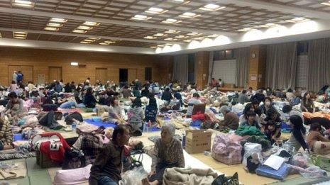 大阪北部地震が契機 評判の「皮膚ねじりダイエット」とは