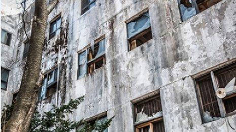 天井から人が覗いている…幽霊が見えやすい病気と脳のクセ