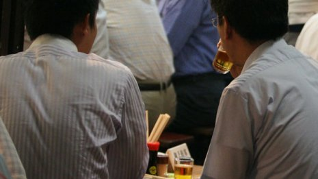 酒で顔が赤くなる人はがんになりやすい 違いは解毒遺伝子