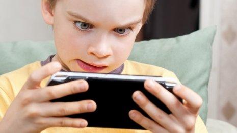 ゲームは悪くない?認知機能が上がりストレス耐性が養える