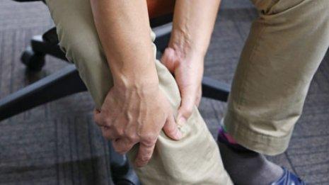 """指のこわばりや靴下の痕に注意 """"SOS""""をキャッチする方法"""