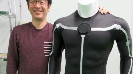 着ている服一着で心電や体温を計測できるスマートアパレル