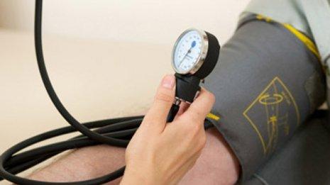 上130・下80を基準にすると…世の中の90%以上が高血圧に