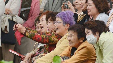 1万7000人超での研究結果 笑いの頻度は健康にどう影響する