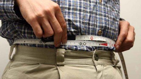 メタボ健診で男性が腹囲85cmを超えたら何が危険なのか?