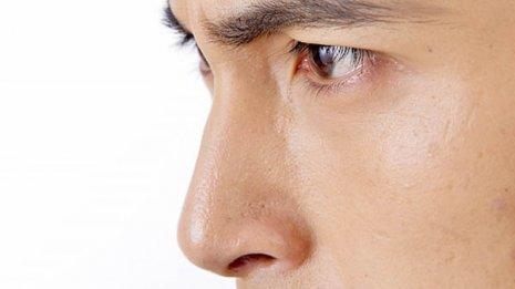 身だしなみ調査で1位 気になる鼻毛処理は入口から1cm以内