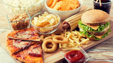 英で報告 超加工食品を毎日食べると死亡リスクが増加する?