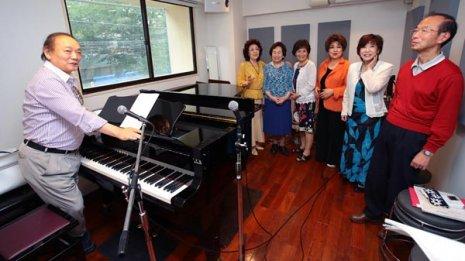 伊の大衆歌曲「カンツォーネ」でインナーマッスル活性化