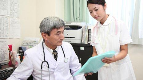 尿タンパクで「様子見を」…安心か否かは尿潜血で見極める