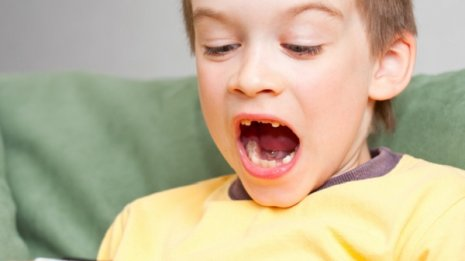 発達障害などで不登校の子どもに 親がやりがちなNG行動
