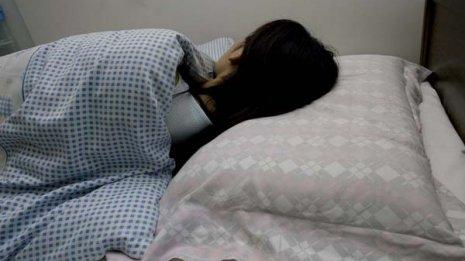 自分や他人を許せる人は睡眠の質、健康状態、幸福度が高い