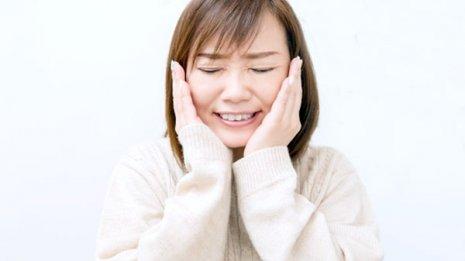 特定の季節にストレスを抱えやすいと顎に異常が表れる場合も
