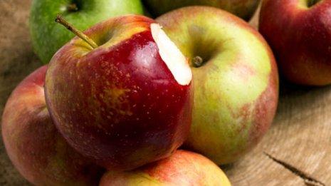 """1日1個で医者いらず 旬のリンゴは""""スターカット""""で食べる"""