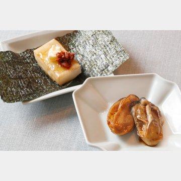 「かんずり」を使った牡蠣のいり煮(手前)と、かんずりバターの磯部巻き