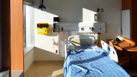 米国の乳がん治療<2>手術も自分で予約しなければ進まない