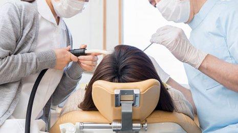 インプラント治療が怖くて…全身麻酔は可能ですか?