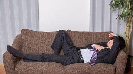 二日酔いに鎮痛薬は効果があるのか?学術専門誌に研究論文