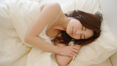 7割減の報告も…暖房をかけて寝ると風邪を予防できる?