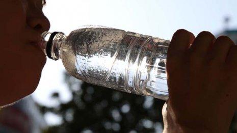 血糖コントロールが悪い人は脱水傾向 こまめな水分補給を