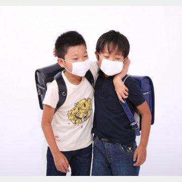 登校には「マスク」が必須