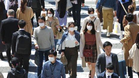 若い感染者が急増しているのはウイルス強毒化が原因なのか